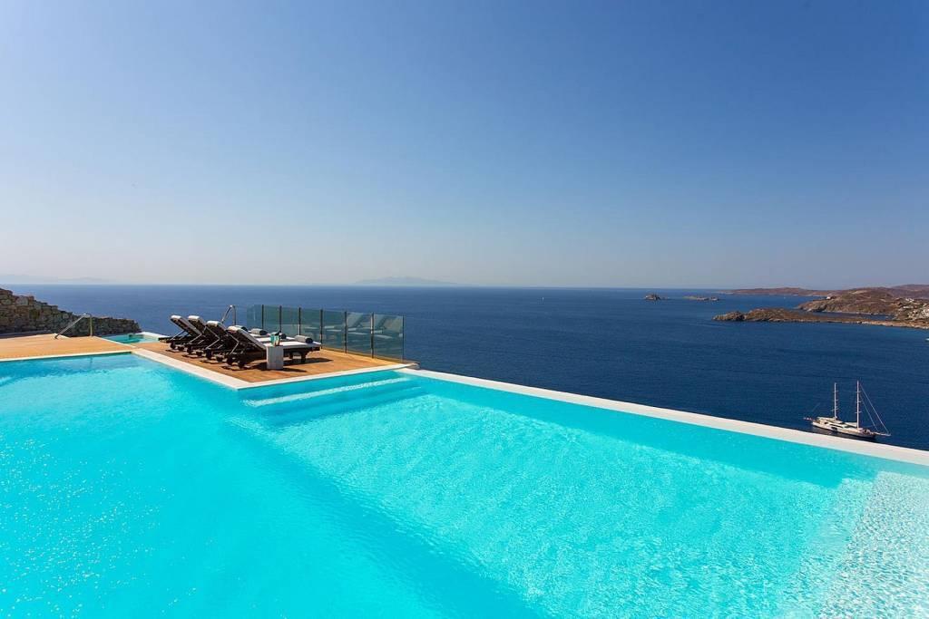 Mykonos - Agios Lazaros - Location saisonnière - Maison - 12 Personnes - 6 Chambres - 6 Salles de bains - Piscine.