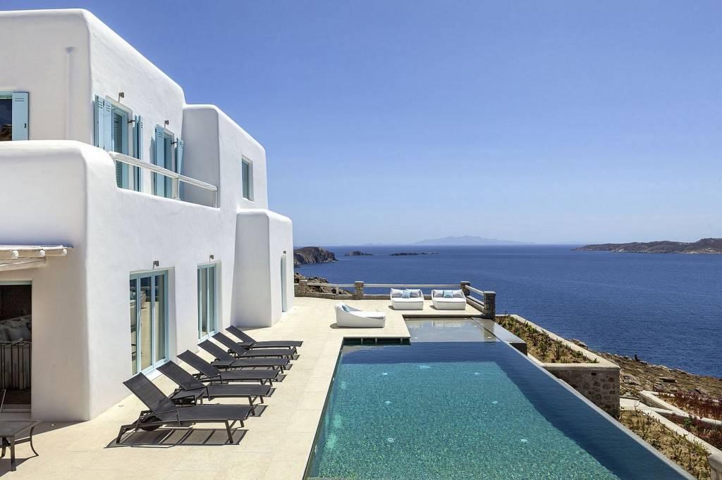 Mykonos - Pouli - Location de vacances - Maison - 14 personnes - 7 chambres - 9 salles de bains - Piscine.