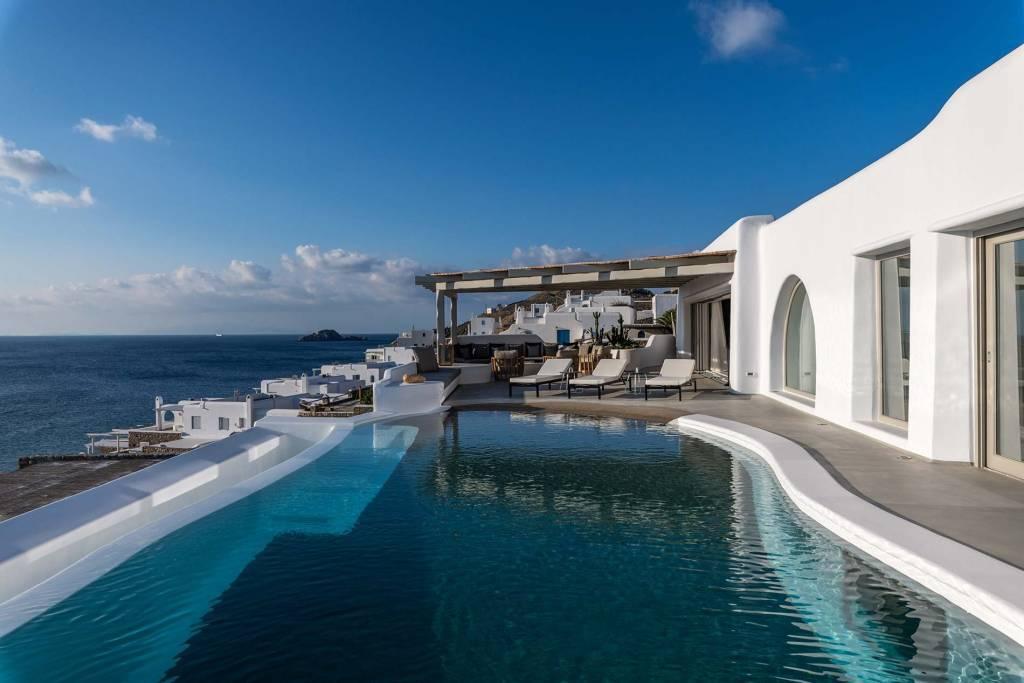 Mykonos - Maison - Location de vacances - 12 personnes - 6 Chambres - 6 Salles de bains - Piscine.