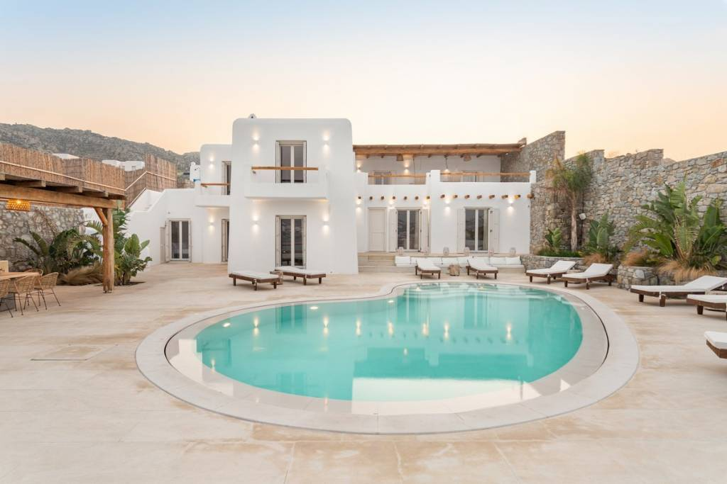 Mykonos - Holiday rental - House - 14 Persons - 8 Bedrooms - 7 Bathrooms - Swimming pool.