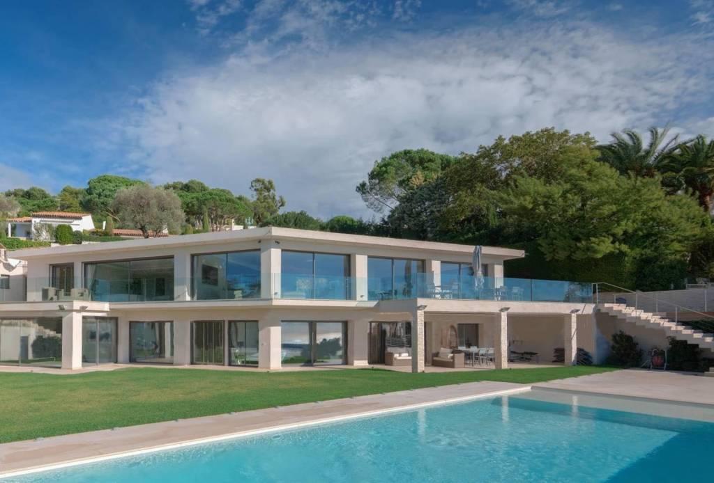 Cannes - Location saisonnière - Maison - 12 Personnes - 6 Chambres - 6 Salles de bain - 550 m² - Piscine